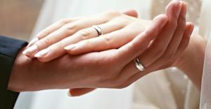 Wedding-ring-on-hand-670x350
